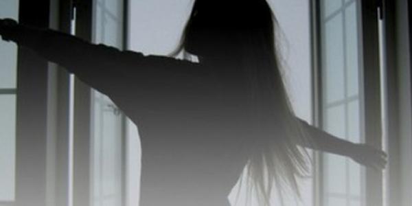 У Запоріжжі школярка вистрибнула з вікна 14-го поверху: 15-річна дівчина розбилась на смерть