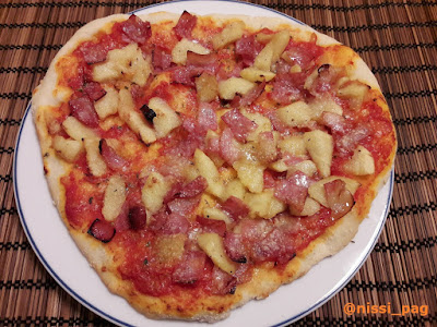 Pizza de manzana y bacón