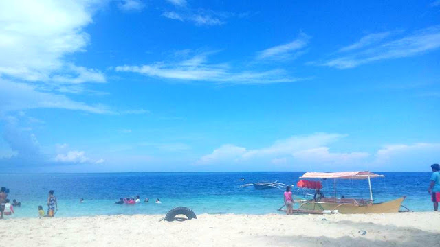 Cebu South Beaches - Cebu South is home to some of my favorite beach destinations in Cebu such as Tingko Beach, King Arthur's Beach both in the town of Alcoy; Basdaku or White Beach and Panagsama Beach in Moalboal.