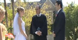 Απίστευτο απρόοπτο σε γάμο! Πώς ο κουμπάρος κατέστρεψε με μία κίνηση την τελετή!