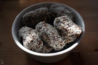 http://be-alice.blogspot.com/2015/06/coconut-date-rolls-raw-vegan-gluten-free.html