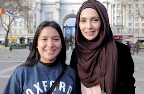 Kisah Nyata: Gadis Muslimah di London Ini Selamat Dari Aksi Pembunuhan Berkat Membaca Al Qur'an