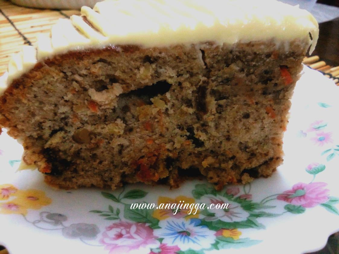 Kek Carrot Walnut Dengan Topping Cream Cheese Mudah Anajingga