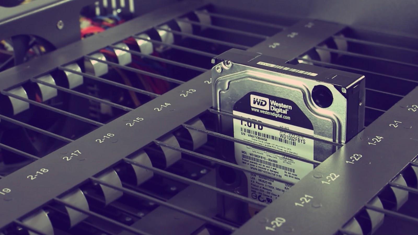 Magnetic tape data storage