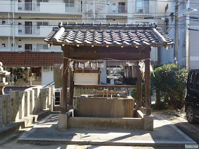 富島神社手水舎