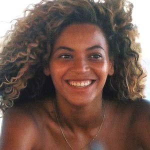 The Media Brew America S Next Top Selfie Tyra Without Makeup