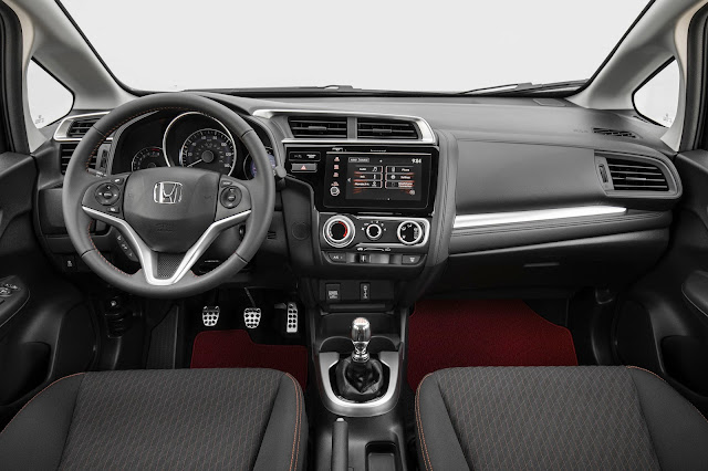 Interior view of 2018 Honda Fit Sport