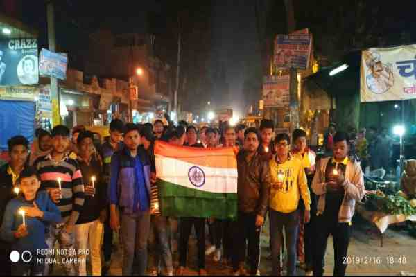 rajiv-colony-faridabad-candle-march-for-pulwama-martyr-crpf-jawan