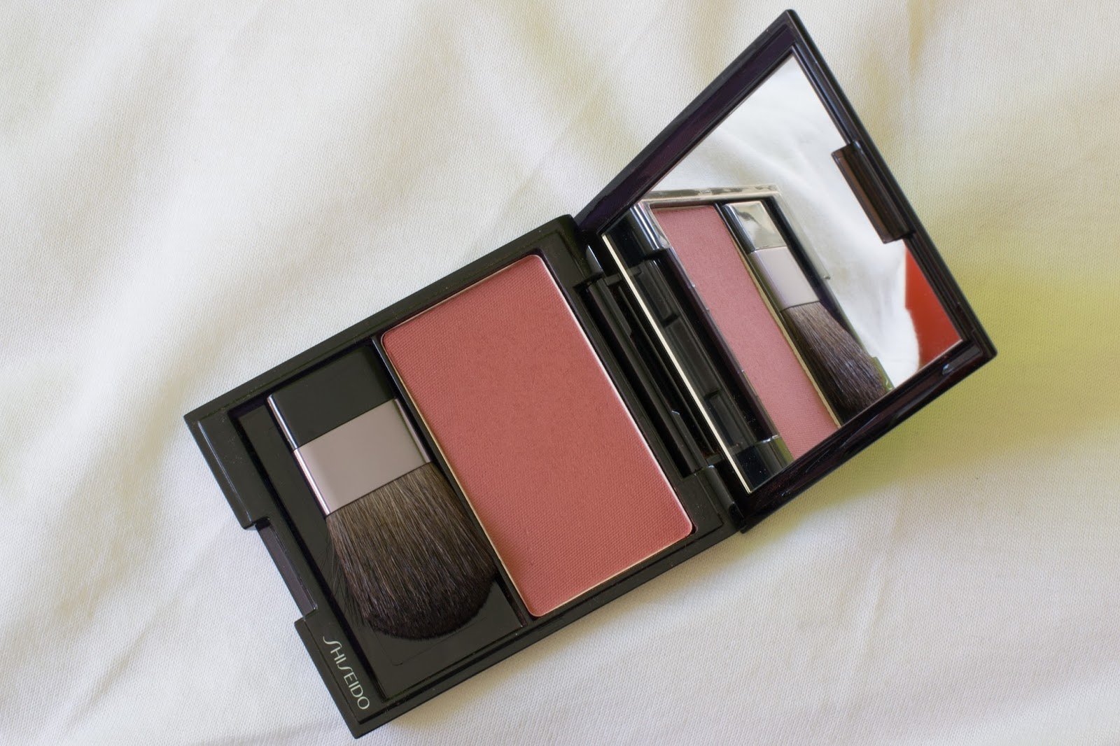 Shiseido Luminizing Satin Face Color, Tea Rose