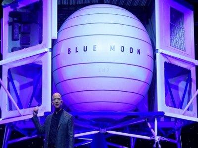 Lunar Lander Project Blue Moon Unveils by Amazon CEO Jeff Bezos