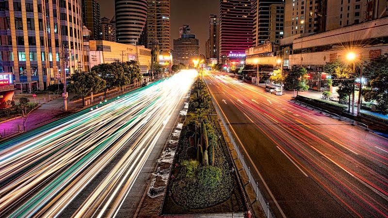 Traffic on the Shanghai Streets HD