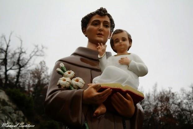 Pacentro, punto panoramico. Statua di Sant'Antonio
