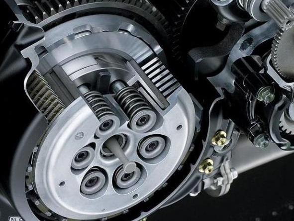 Cara Atasi Tuas Kopling Motor Keras