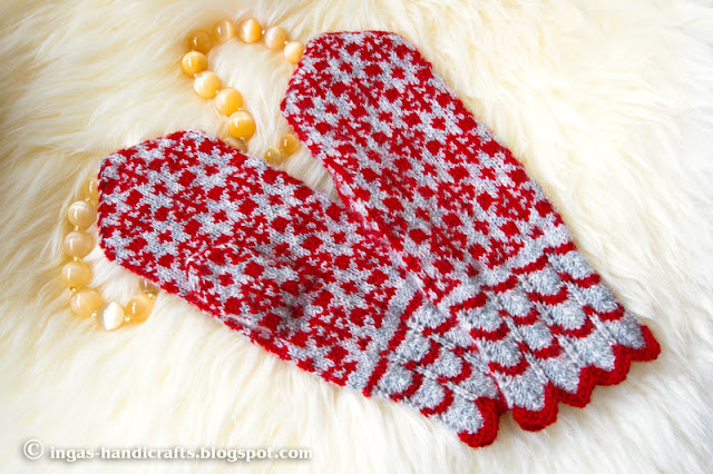 Punase-halliga kirikindad / Red-Grey Mittens