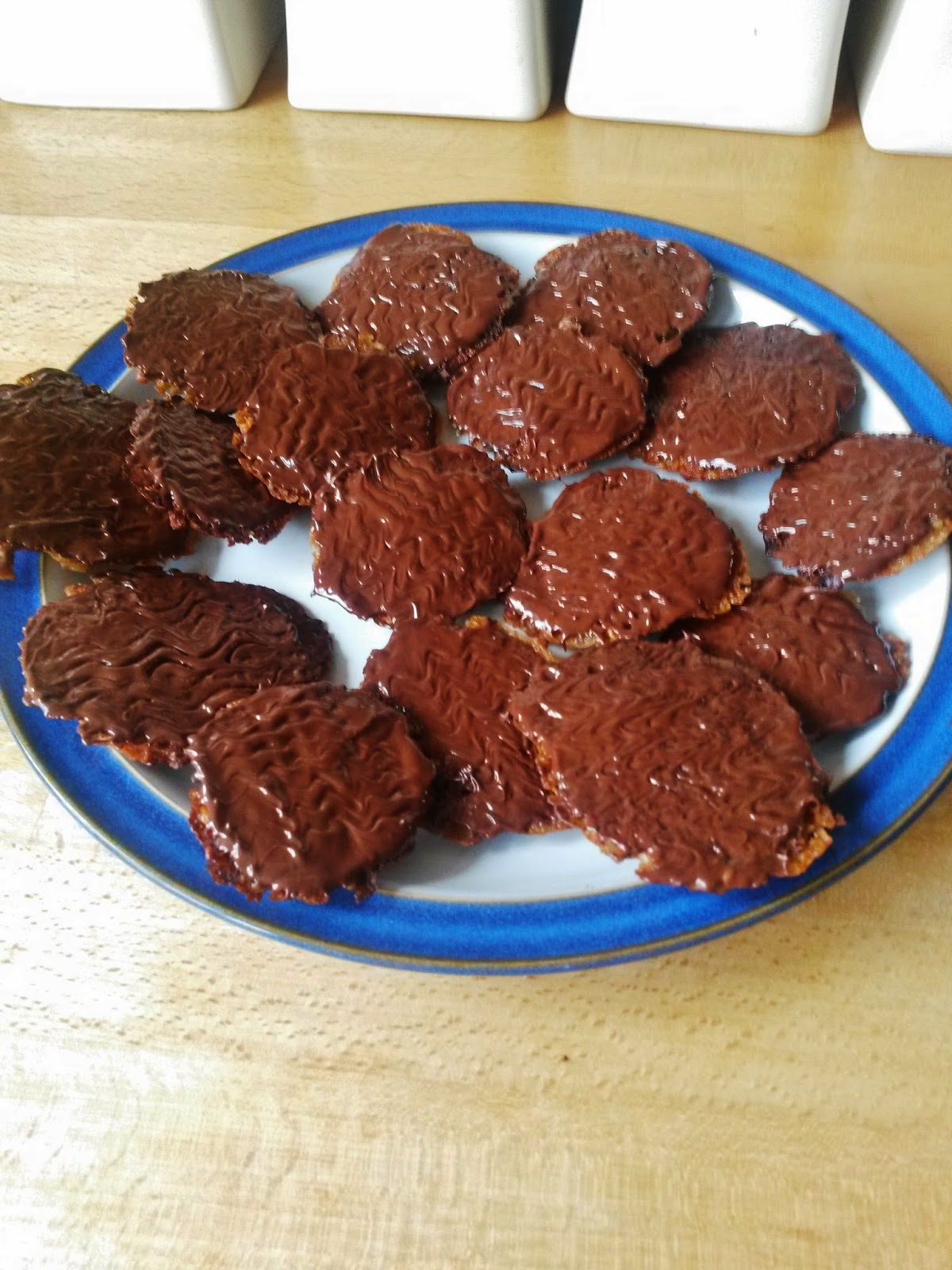 Homemade chocolate florentine biscuits