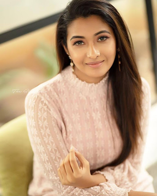 Actress Priya Bhavani Shankar Latest Photo Stills: Actress Priya Bhavani Shankar Latest Cute HD Stills