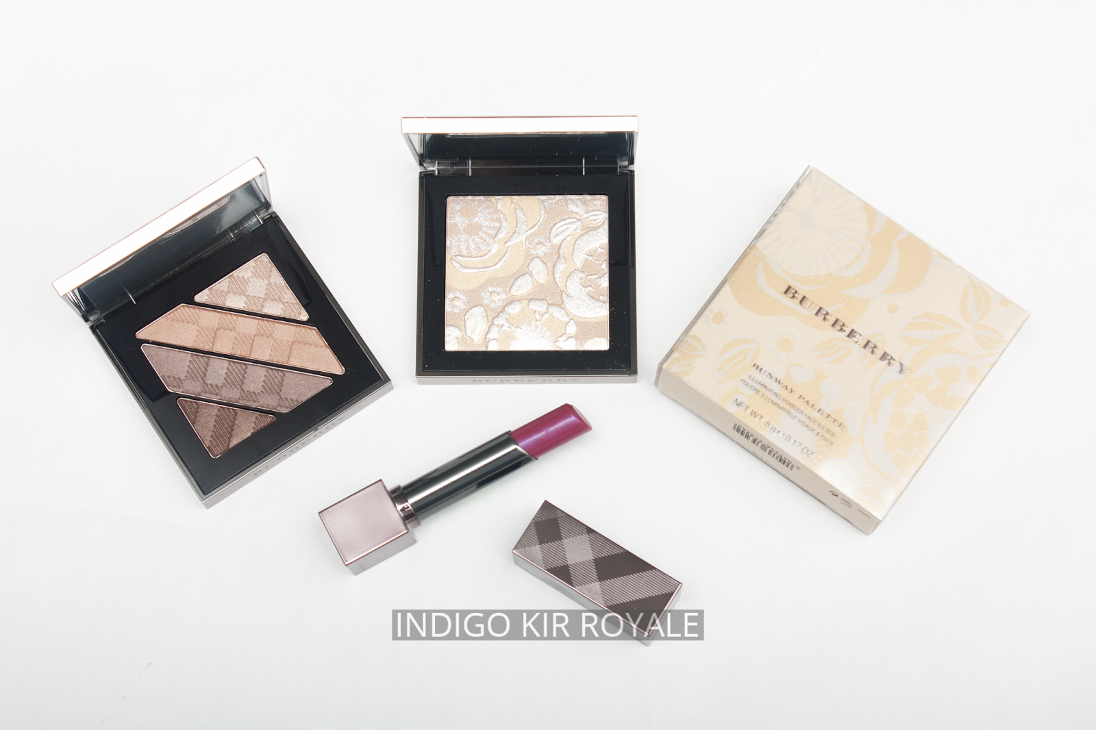 New In From Burberry Including The Limited Edition Autumn Winter Bobbi Brown Illuminating Cheek Palette Have Recently Released A Few Gorgeous Pieces For This Seasons Runway Collection Stunning Powder