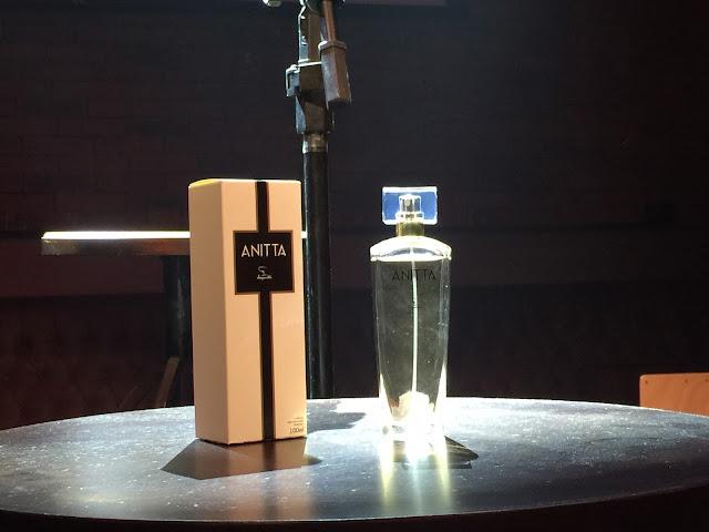 Anitta, cantora, famosa, colônia, jequiti, lançamento, beleza, fashion mimi