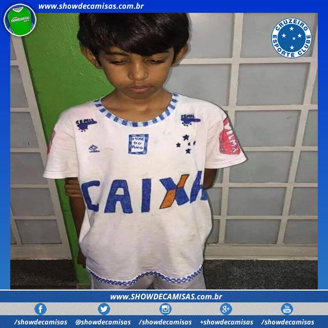 6ef4600bc4 Menino faz camisa do Cruzeiro à mão e sensibiliza o clube - Show de ...