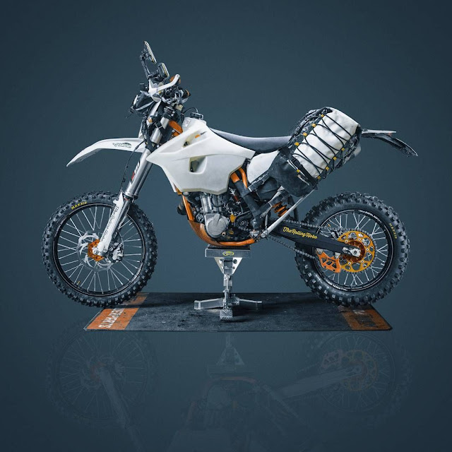 KTM 500 EXE by The Rolling Hobo