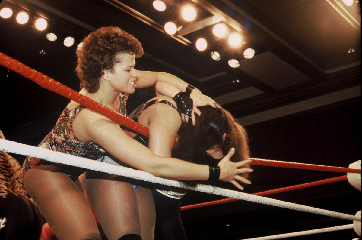 Free Wallpapers Women Star Wrestlers