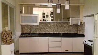 Gambar Desain Kitchen Set Minimalis Finishing Kaca