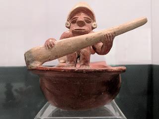 Chorrera canoe paddler miniature