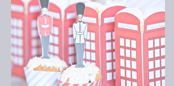 pots a pop corn imitation cabine téléphonique cupcake