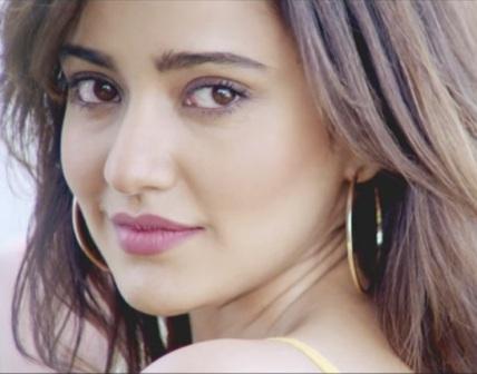 Ishq Mubarak Lyrics - Tum Bin 2 | Neha Sharma