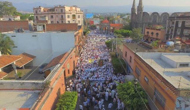 Morelos está herido, necesita paz: claman en marcha encabezada por Blanco y Sicilia en Cuernavaca