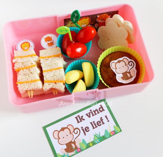 Bento box maken, hoe maak je een bento box, bento prikkers, bento prikkers zelf maken, bento lunch maken, bento voor school, bento printables, jungle printables, broodtrommelbriefjes, briefje voor in de broodtrommel
