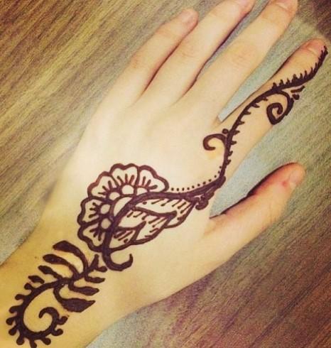 Gambar Henna Tangan 6