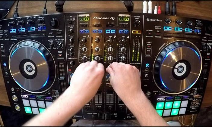 Perlengkapan Alat DJ yang Wajib Paling Digemari