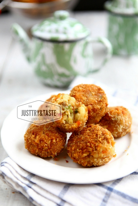 Resep Mac and Cheese Balls (Bola-Bola Makaroni dan Keju)