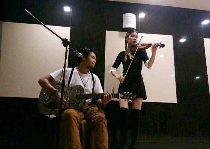 Brunei blogger May Cho with Musician Rudy Ryde