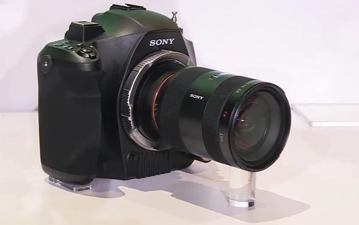 Прототип беззеркальной камеры от Sony, показанный в 2014 году