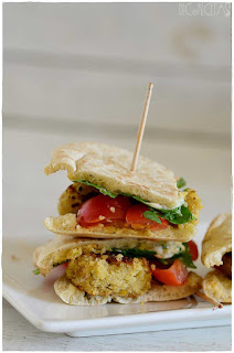 Falafel receta- ¿Como se hace el falafel?-Bocado original de pan de pita relleno de : falafel!!- pan de pita relleno- pan de pita mercadona- pan de pita integral- kebap- pan de pita relleno de pollo- garbanzos- legumbre