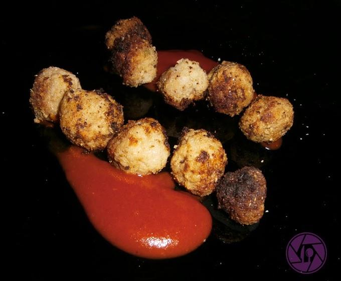 Mini albóndigas con salsa de tomate