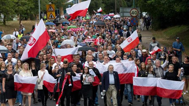 Polacos rechazan la ola de racismo y xenofobia en Reino Unido