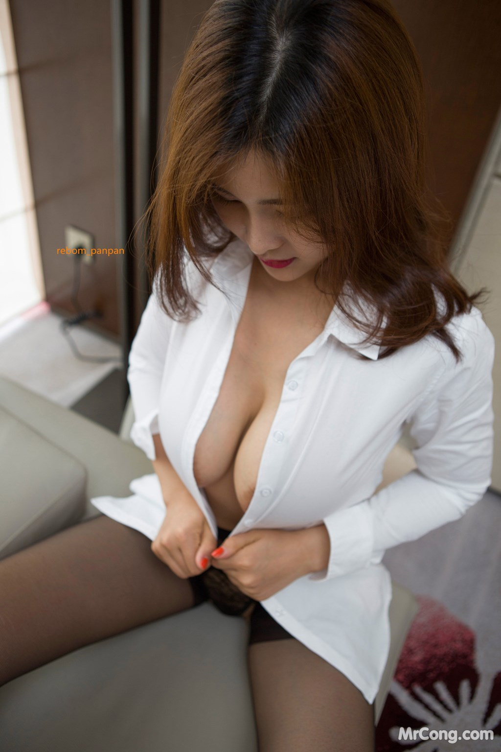 Image Yan-Pan-Pan-Part-4-MrCong.com-036 in post Người đẹp Yan Pan Pan (闫盼盼) hờ hững khoe vòng một trên giường ngủ (40 ảnh)