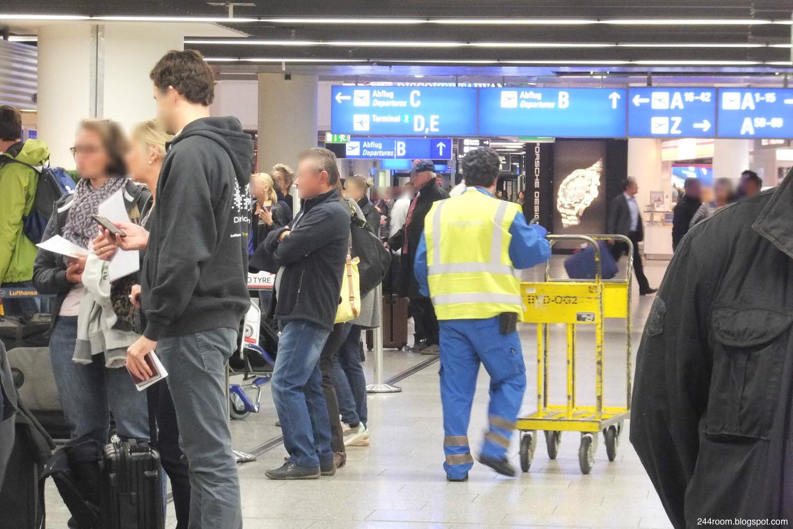 ルフトハンザ手荷物預け Baggage counter