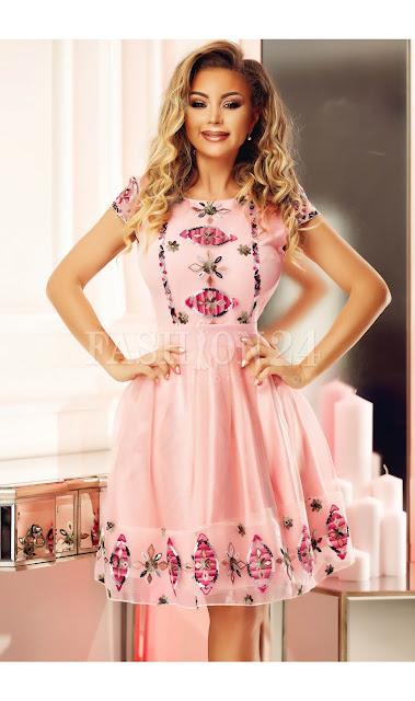 Rochie eleganta de seara cu fusta in clos, din tul roz