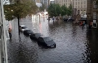 Bir sel felaketi sonucu şehrin sular altında kalması