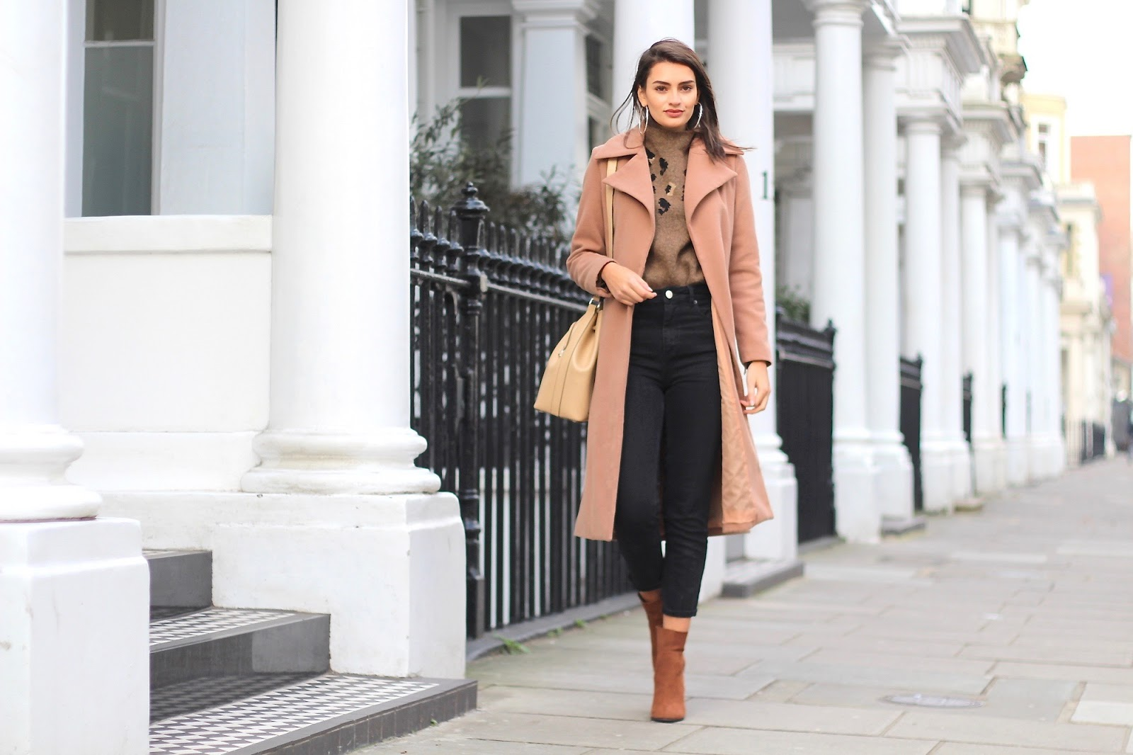 peexo fashion blogger styling neutrals
