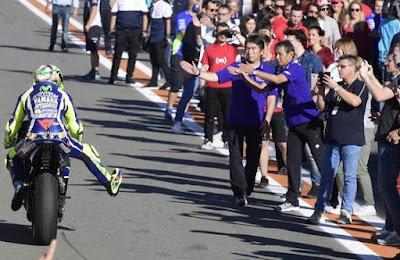 Alasan Rossi Tentang Pengunjung Wanita di Paddock Valencia