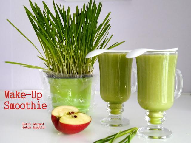 Wake - Up smoothie z młodym, zielonym jęczmieniem - Czytaj więcej »