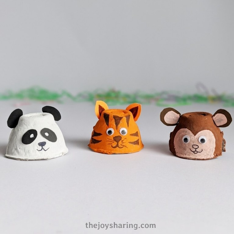 Recycle egg carton to make cute animal crafts.