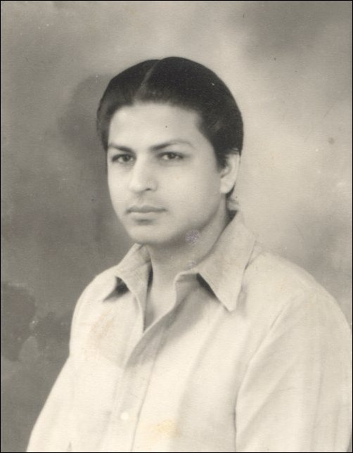Shahrukh Khan Childhood Pictures - Latest Bollywood News ...