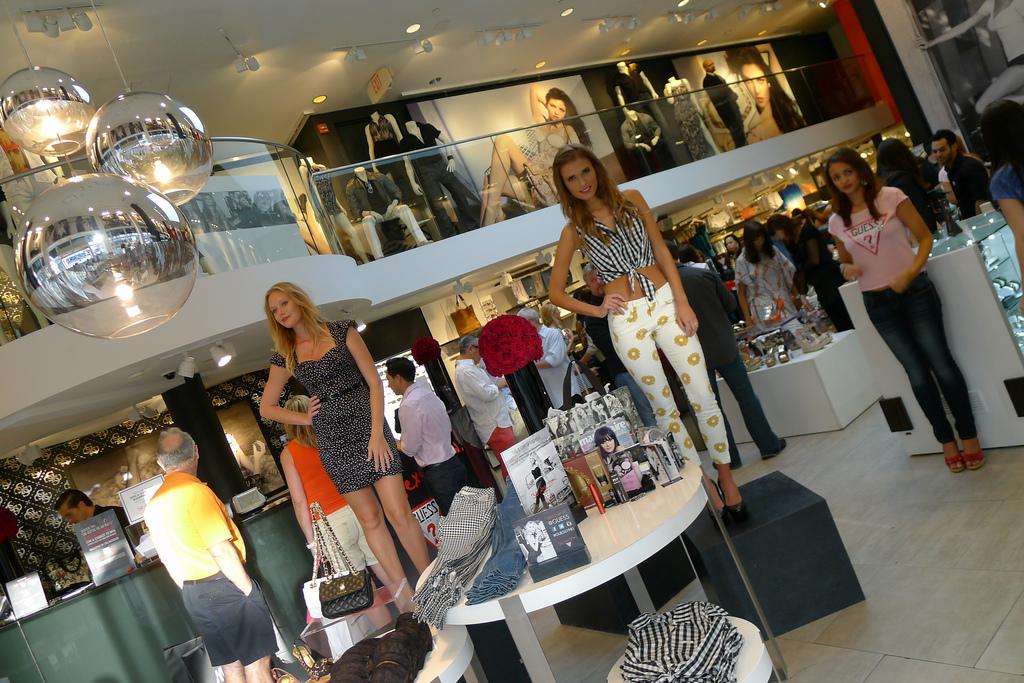 7ccb4973d Lojas da Guess em Miami e Orlando: roupas, bolsas e relógios | Dicas ...