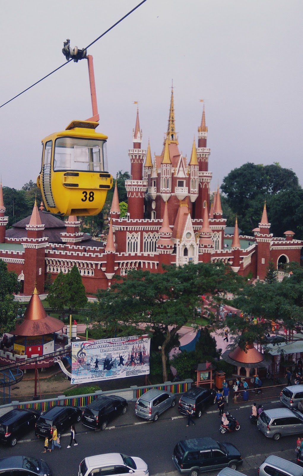 Kereta Gantung Sky Lift Tmii Keliling Indonesia Dengan Singkat